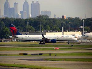 delta_plane_and_atlanta_skyline