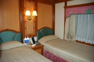 deluxe-twin-bed-cabin