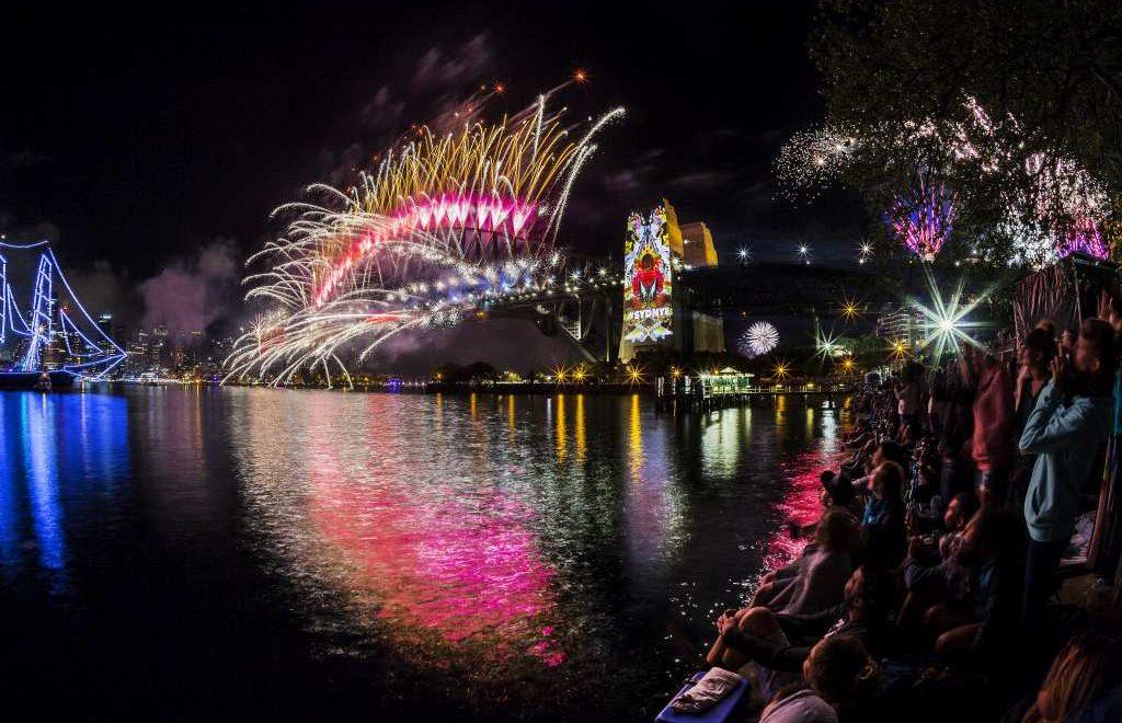 new-years-eve-fireworks-sydney-mandatory-credit-destination-nsw