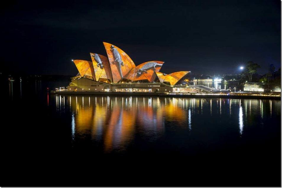 Vivid Sydney 2016, Opera House, Lighting The Sails 'Songlines.