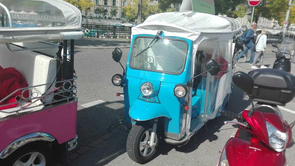 E-Tuk in Zürich -die besondere Stadtrundfahrt